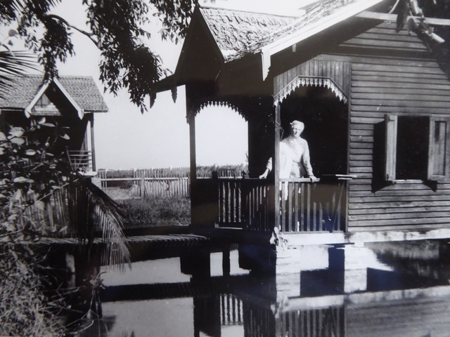 Marie's kuti at Maha Bodhi Meditation Centre (1957).
