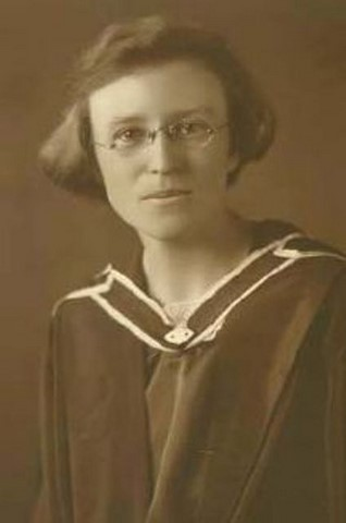 Graduating in law from Sydney University (1924)