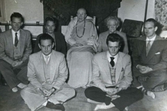 Sr Dhammadina with group at Leo Berkeley's house (1952).